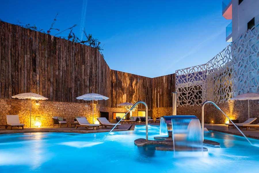 Hard Rock Hotel Ibiza - La piscina
