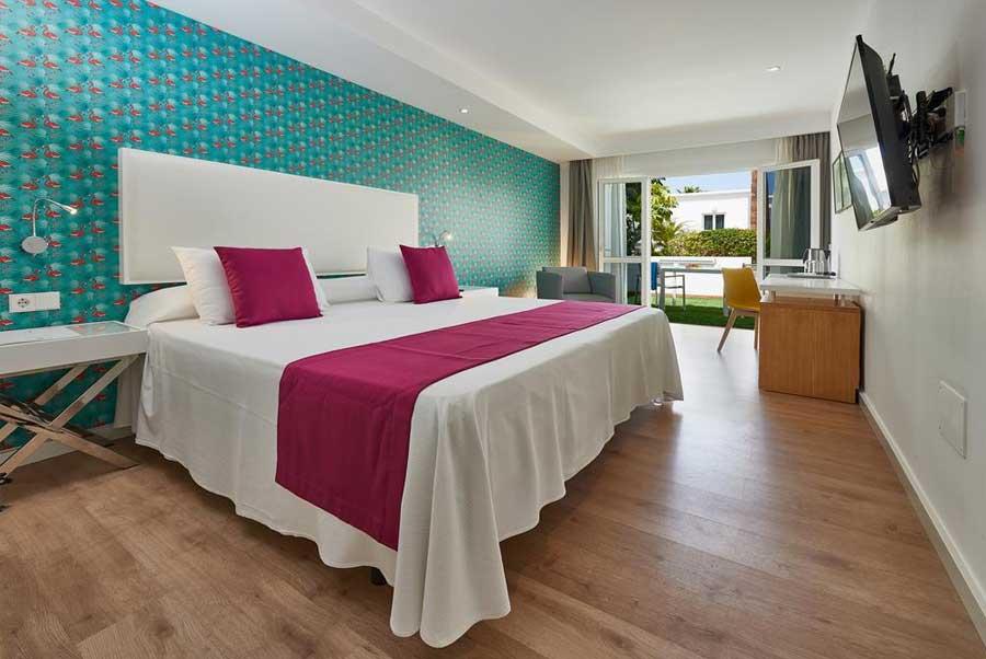Una delle stanze del Flamingo Beach Mate